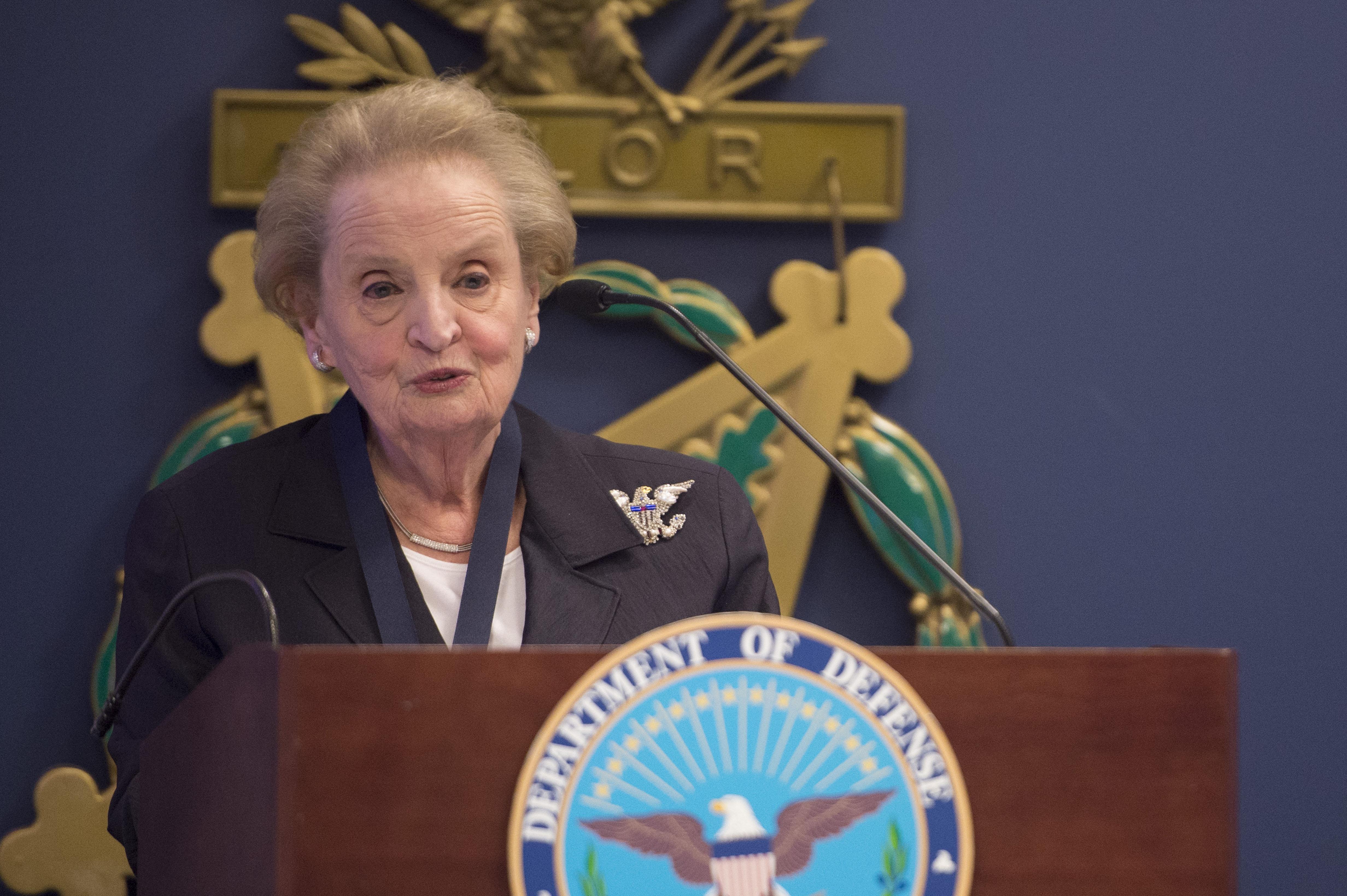 SD presents award to Madeleine Albright